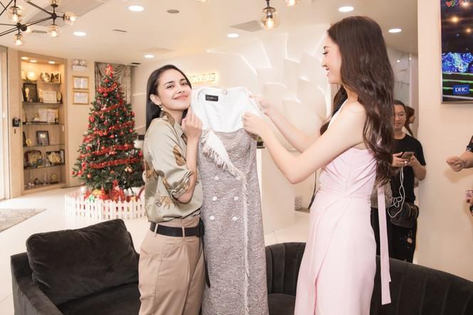 Hoa hậu thế giới Megan Young uống trà đá vỉa hè khi vừa đến Việt Nam - ảnh 9