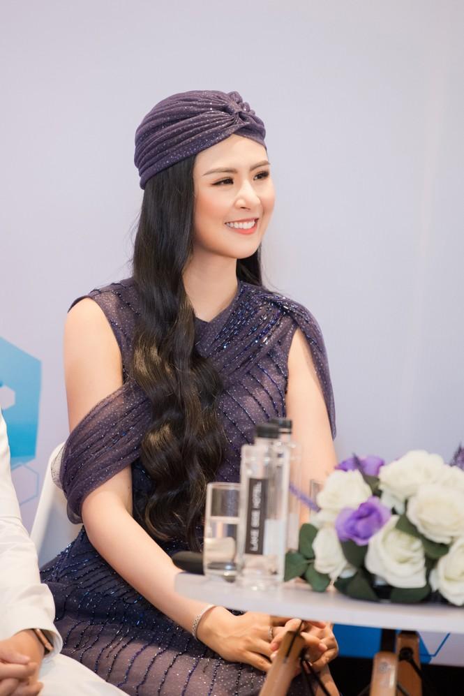 Hoa hậu Ngọc Hân mặc váy xuyên thấu gợi cảm sau khi rò rỉ ảnh dạm ngõ  - ảnh 10
