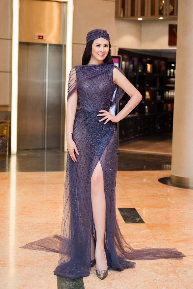 Hoa hậu Ngọc Hân mặc váy xuyên thấu gợi cảm sau khi rò rỉ ảnh dạm ngõ  - ảnh 2