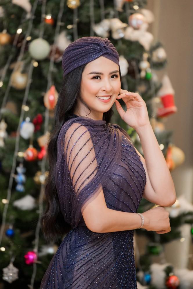 Hoa hậu Ngọc Hân mặc váy xuyên thấu gợi cảm sau khi rò rỉ ảnh dạm ngõ  - ảnh 3