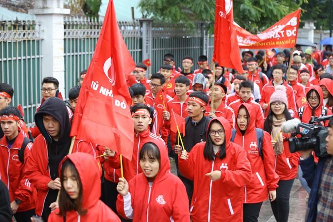 Hàng ngàn người diễu hành hưởng ứng ngày hội Chủ nhật Đỏ lần thứ XII - ảnh 14