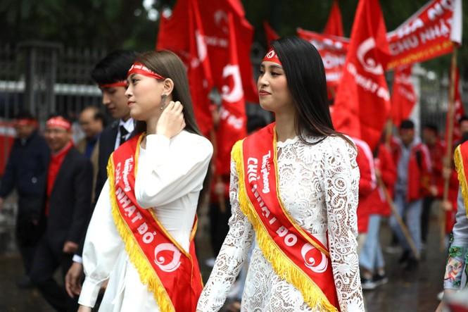 Hàng ngàn người diễu hành hưởng ứng ngày hội Chủ nhật Đỏ lần thứ XII - ảnh 12