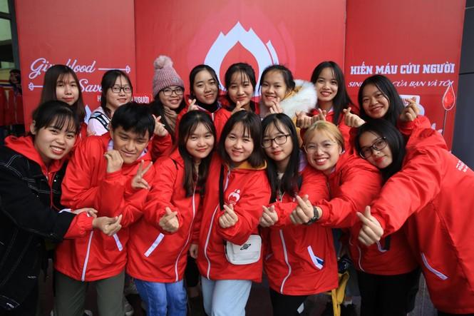 Hàng ngàn sinh viên Thủ đô tham gia hiến máu tại Chủ nhật Đỏ - ảnh 8
