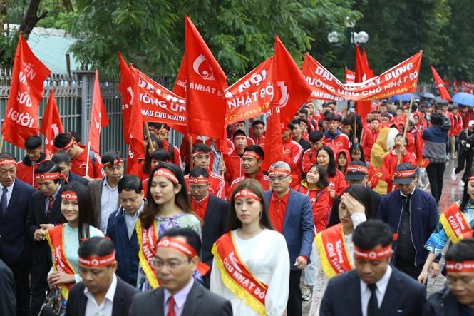 Hàng ngàn người diễu hành hưởng ứng ngày hội Chủ nhật Đỏ lần thứ XII - ảnh 7
