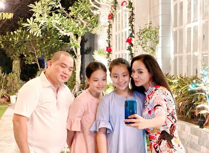 Ngất ngây ngắm loạt biệt thự của sao Việt lộng lẫy đón Giáng Sinh  - ảnh 2