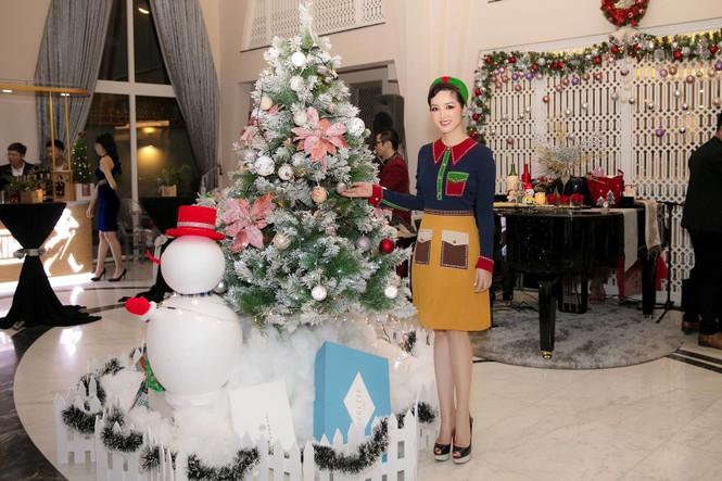 Ngất ngây ngắm loạt biệt thự của sao Việt lộng lẫy đón Giáng Sinh  - ảnh 8