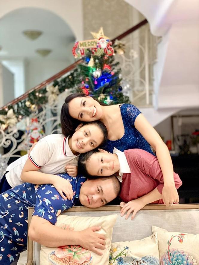Ngất ngây ngắm loạt biệt thự của sao Việt lộng lẫy đón Giáng Sinh  - ảnh 4