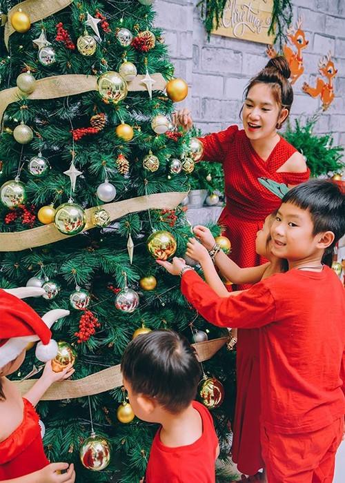 Ngất ngây ngắm loạt biệt thự của sao Việt lộng lẫy đón Giáng Sinh  - ảnh 11