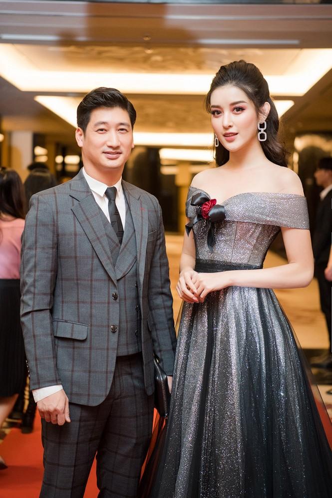 Huyền My lộng lẫy tựa công chúa, 'đọ sắc' cùng nữ ca sĩ Hàn Quốc Luna f(x) - ảnh 9