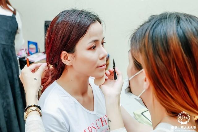 Đại diện Việt Nam Oanh Lê đăng quang Mrs International World 2019 - ảnh 12