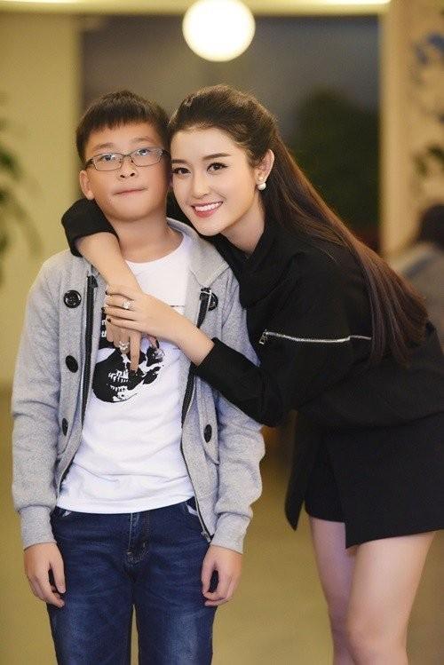 Hội em trai 'soái ca' của dàn Hoa, Á hậu Việt khiến fans 'bấn loạn' - ảnh 2