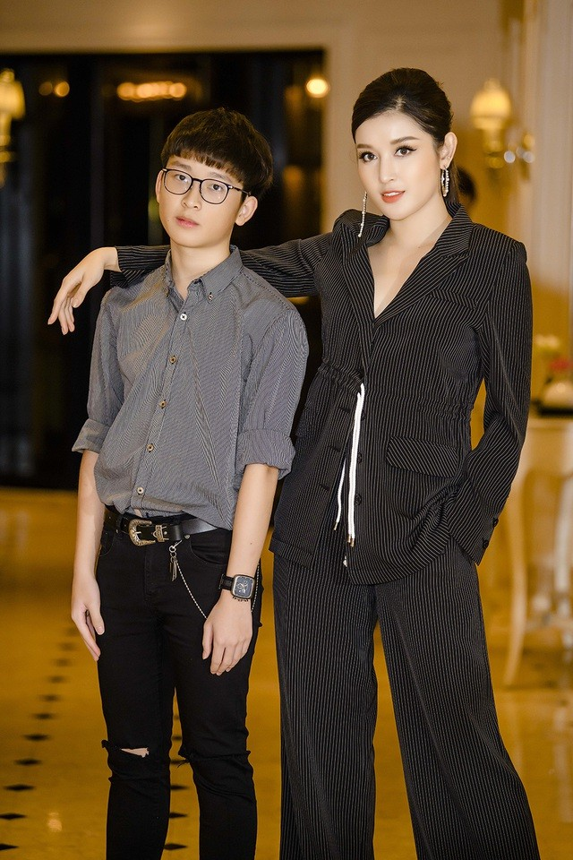 Hội em trai 'soái ca' của dàn Hoa, Á hậu Việt khiến fans 'bấn loạn' - ảnh 3