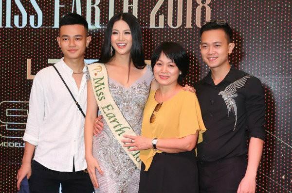 Hội em trai 'soái ca' của dàn Hoa, Á hậu Việt khiến fans 'bấn loạn' - ảnh 10