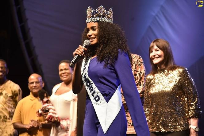 Hoa hậu thế giới được thủ tướng Jamaica chào đón khi về thăm quê nhà  - ảnh 11