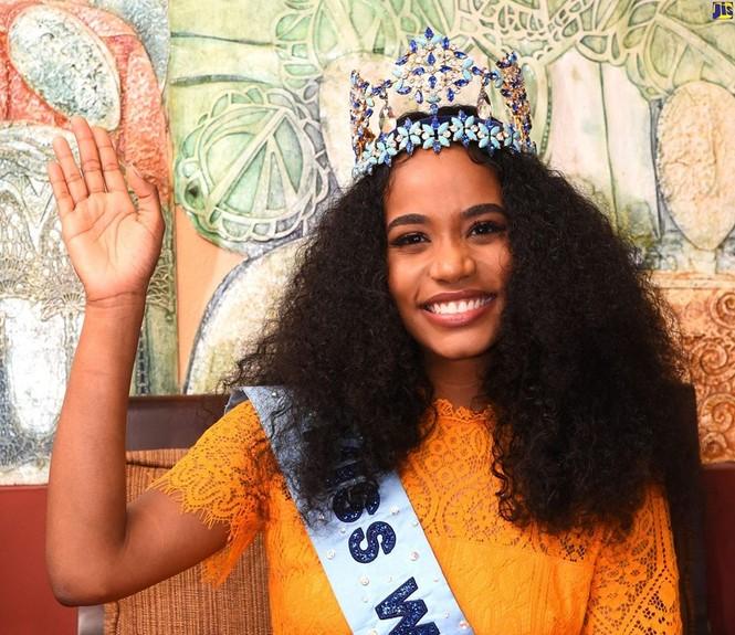 Hoa hậu thế giới được thủ tướng Jamaica chào đón khi về thăm quê nhà  - ảnh 6
