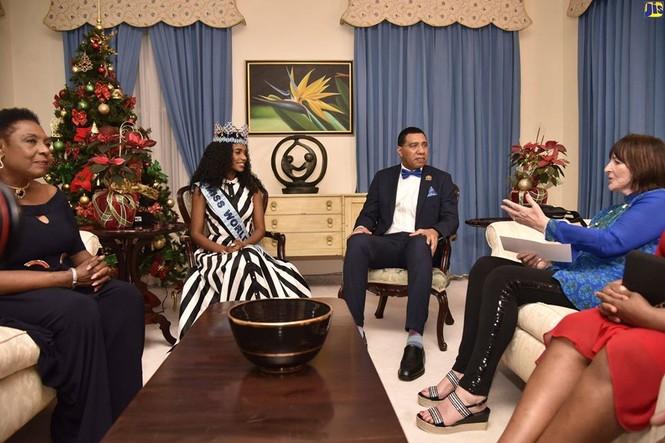 Hoa hậu thế giới được thủ tướng Jamaica chào đón khi về thăm quê nhà  - ảnh 7
