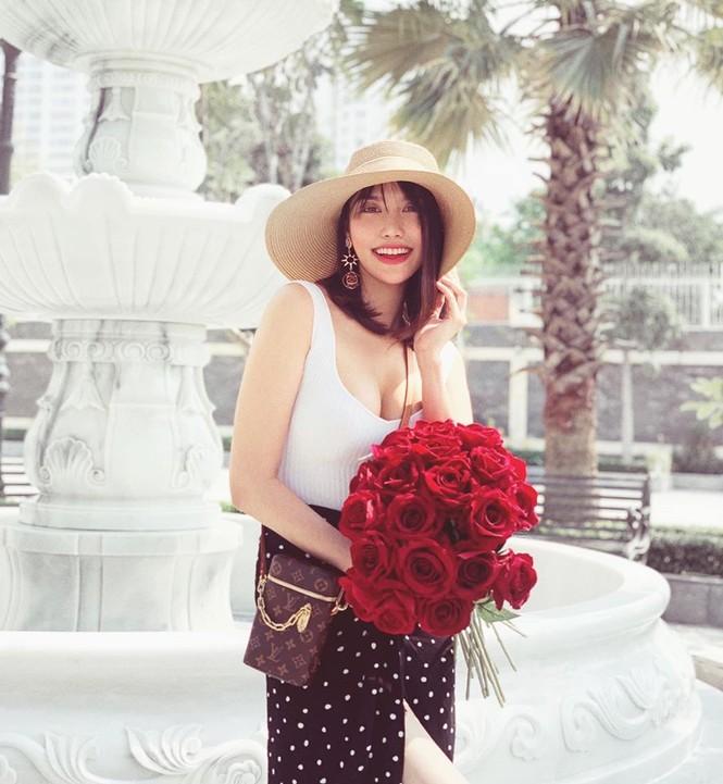 Những Hoa hậu, Á hậu nhanh chóng lấy lại vóc dáng gợi cảm sau sinh năm 2019 - ảnh 10