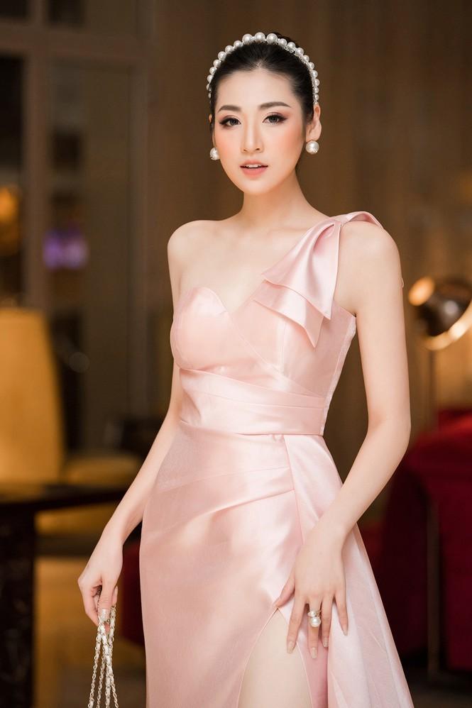 Những Hoa hậu, Á hậu nhanh chóng lấy lại vóc dáng gợi cảm sau sinh năm 2019 - ảnh 5