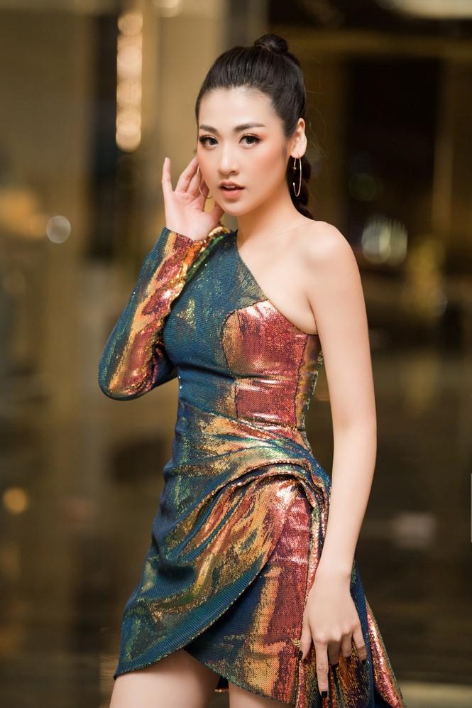 Những Hoa hậu, Á hậu nhanh chóng lấy lại vóc dáng gợi cảm sau sinh năm 2019 - ảnh 1