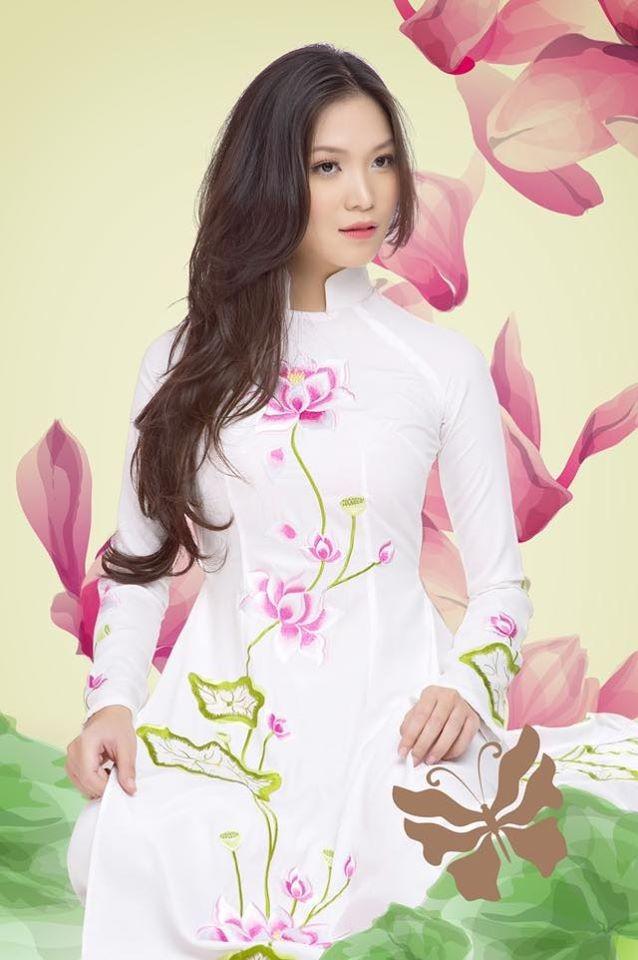 Tú Anh, Tiểu Vy khiến fans 'ngây ngất' khi khoe vai trần sexy với váy cúp ngực - ảnh 7
