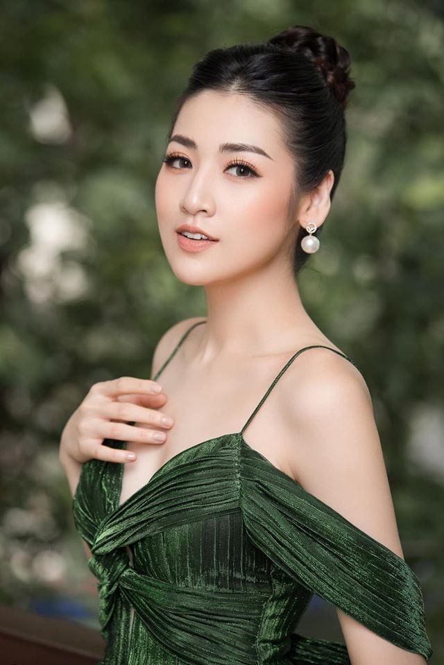 Tú Anh, Tiểu Vy khiến fans 'ngây ngất' khi khoe vai trần sexy với váy cúp ngực - ảnh 4