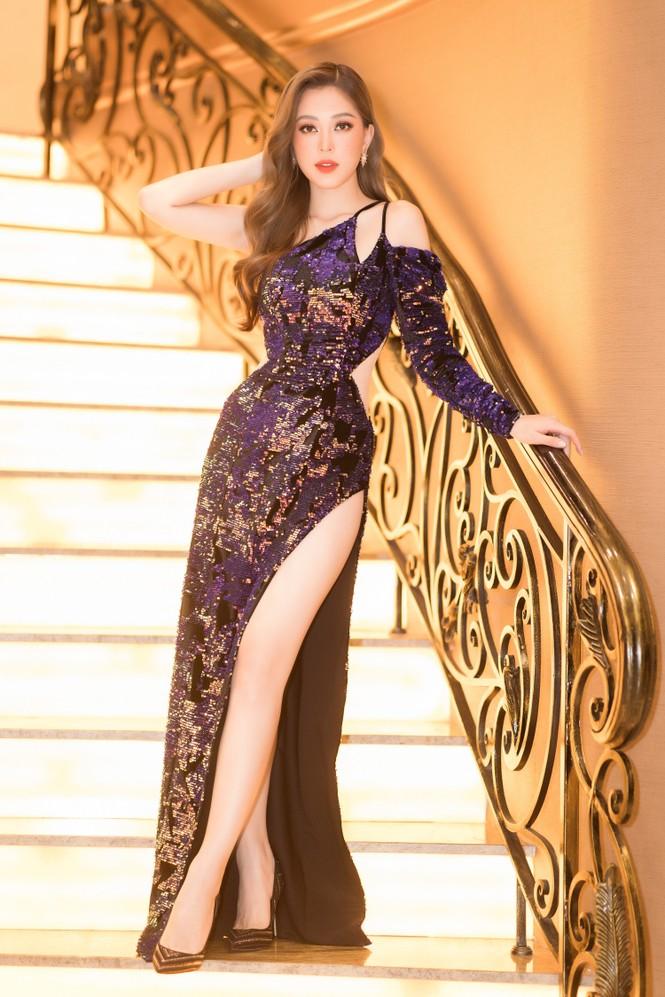 Mai Phương Thuý diện váy cúp ngực sexy, đọ sắc hai đàn em Tiểu Vy, Đỗ Mỹ Linh - ảnh 10