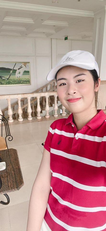 Võ Hoàng Yến khoe vòng 1 sexy, được tặng hoa hồng ở khu cách ly - ảnh 11