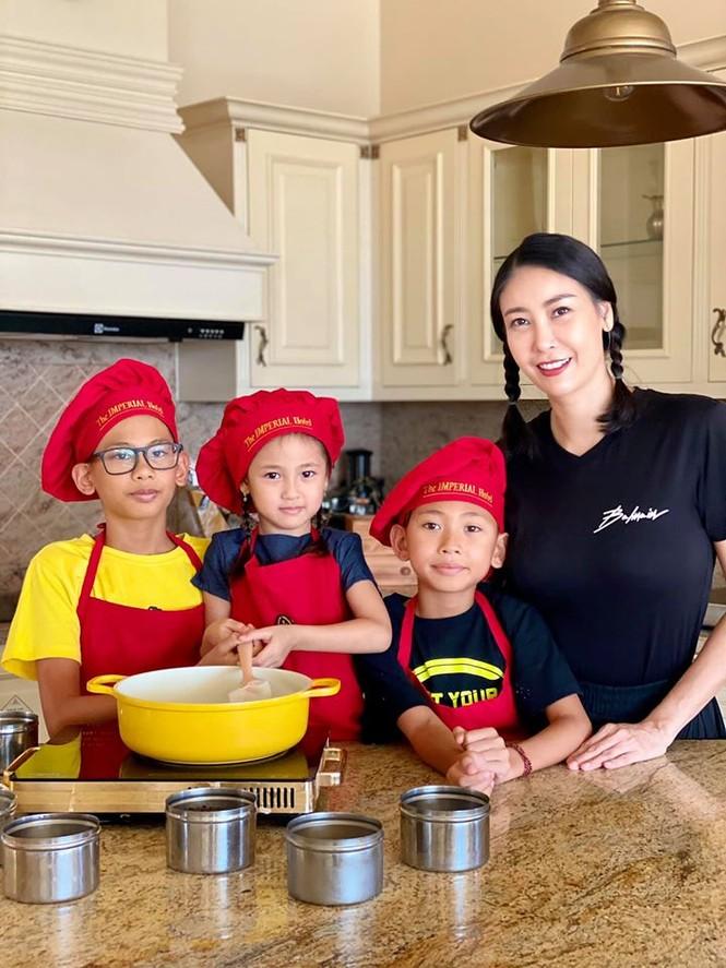 Hà Kiều Anh cùng gia đình cách ly xã hội tại biệt thự sát biển ở Vũng Tàu - ảnh 5