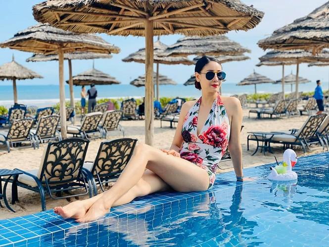Hà Kiều Anh khoe body tuyệt mỹ tuổi 44 với bikini  - ảnh 8