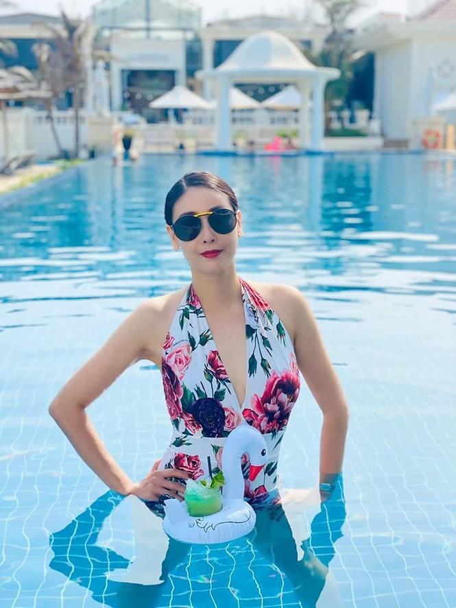 Hà Kiều Anh khoe body tuyệt mỹ tuổi 44 với bikini  - ảnh 7