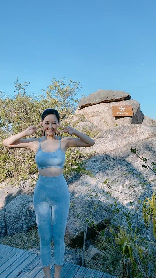 Mai Phương Thuý mặc áo tắm màu nude, khoe vòng một nóng 'bỏng mắt' - ảnh 4