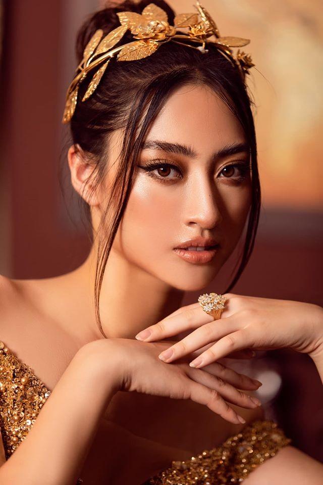 Á hậu Tú Anh mặc áo tắm màu đen đơn giản nhưng vẫn khoe khéo body cực quyến rũ - ảnh 5