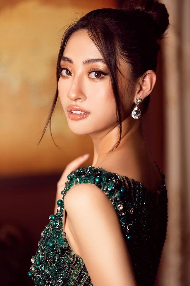 Á hậu Tú Anh mặc áo tắm màu đen đơn giản nhưng vẫn khoe khéo body cực quyến rũ - ảnh 6