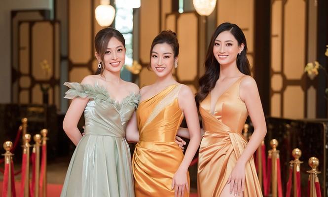 Dàn người đẹp trải nghiệm khách sạn 8 sao dát vàng tại Hà Nội - ảnh 2