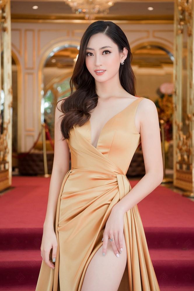 Dàn người đẹp trải nghiệm khách sạn 8 sao dát vàng tại Hà Nội - ảnh 6