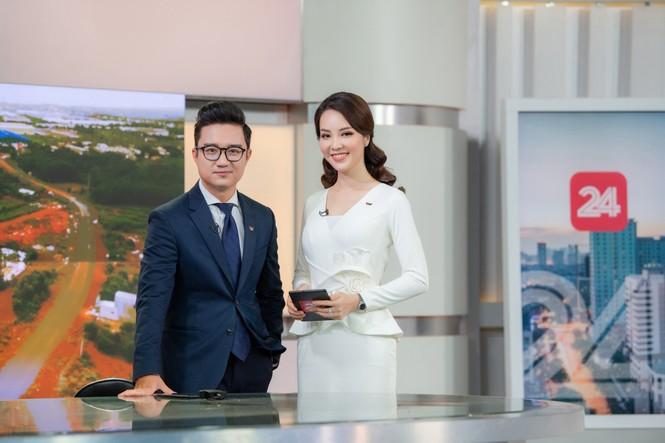 Á hậu Thụy Vân 'tái xuất' khán giả VTV, tiếp tục dẫn 'Chuyển động 24h' - ảnh 12