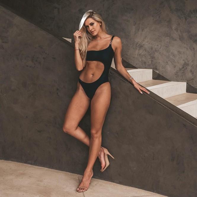 Body 'cực phẩm' siêu quyến rũ của tân Hoa hậu Quốc tế Canada 2020 - ảnh 10