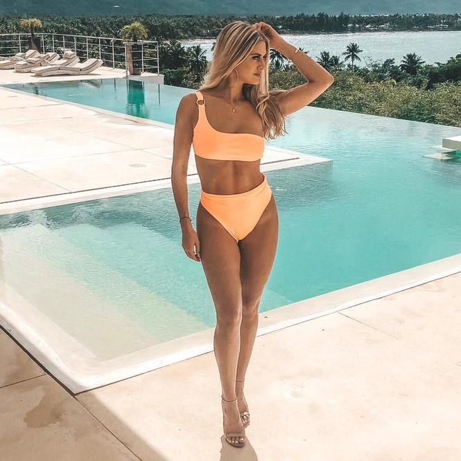Body 'cực phẩm' siêu quyến rũ của tân Hoa hậu Quốc tế Canada 2020 - ảnh 7