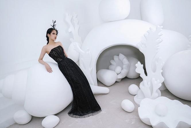 Nữ người mẫu bị khuyết tay Hà Phương 'tái xuất', khoe thần thái 'đỉnh cao' với váy dạ hội - ảnh 2