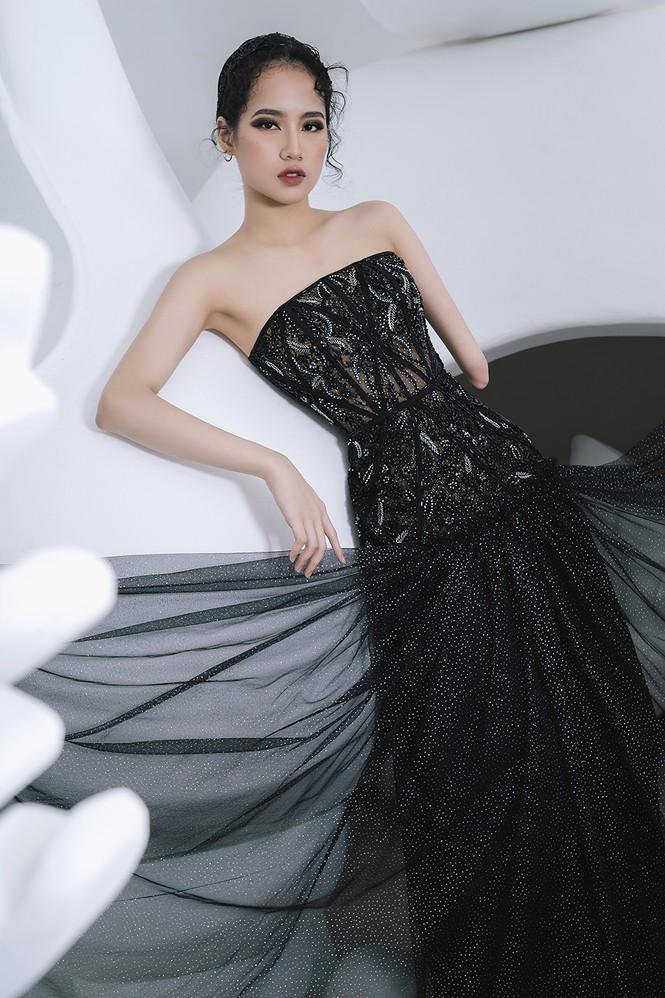 Nữ người mẫu bị khuyết tay Hà Phương 'tái xuất', khoe thần thái 'đỉnh cao' với váy dạ hội - ảnh 4