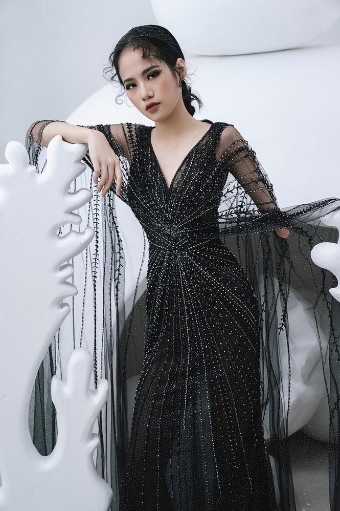 Nữ người mẫu bị khuyết tay Hà Phương 'tái xuất', khoe thần thái 'đỉnh cao' với váy dạ hội - ảnh 6