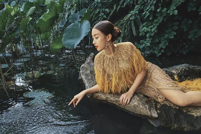 Đỗ Mỹ Linh trầm mình trong nước, hoá 'mỹ nhân cổ trang' giữa sông núi Tràng An  - ảnh 12