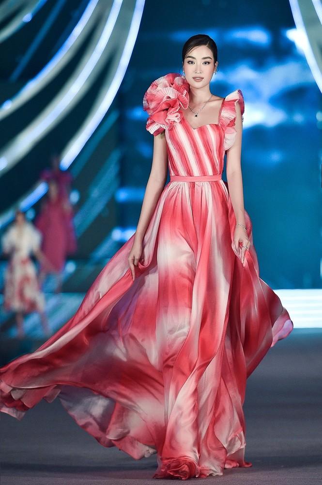 Hoa hậu Đỗ Mỹ Linh: 'Năm nay BGK gặp khó khăn vì chất lượng thí sinh quá đồng đều' - ảnh 3