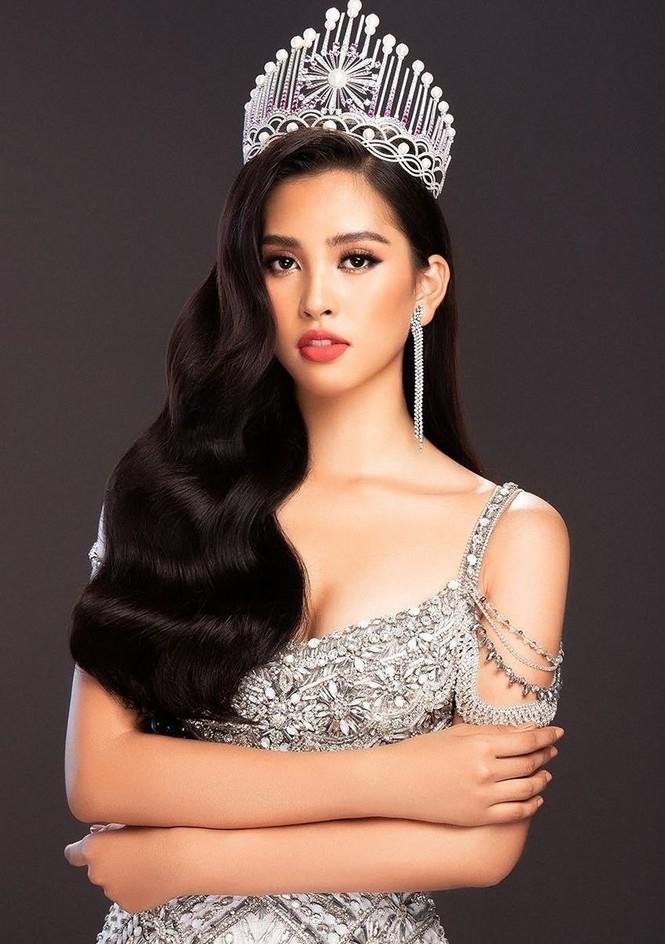 Hoa hậu Tiểu Vy chia sẻ trước giờ giao lại vương miện cho người kế nhiệm - ảnh 1