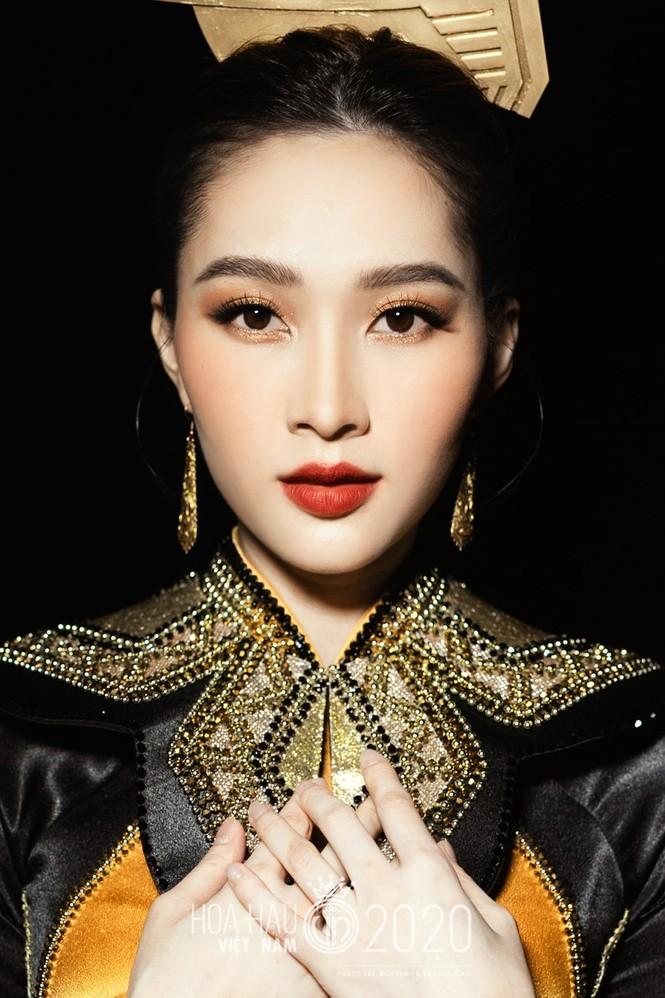 Hoa hậu Thu Thảo lần đầu tiên khoe cận mặt quý tử cực đáng yêu khiến sao Việt 'lụi tim' - ảnh 5