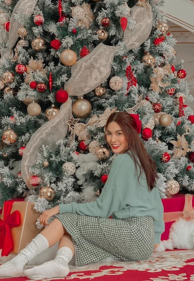 Dàn Hoa hậu, Á hậu trang hoàng nhà cửa lộng lẫy chuẩn bị đón Giáng Sinh  - ảnh 1