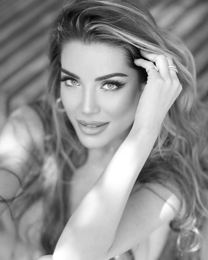 Hoa hậu Hoàn vũ Italy 2020 sở hữu đường cong nóng bỏng tựa 'thiên thần nội y' - ảnh 1