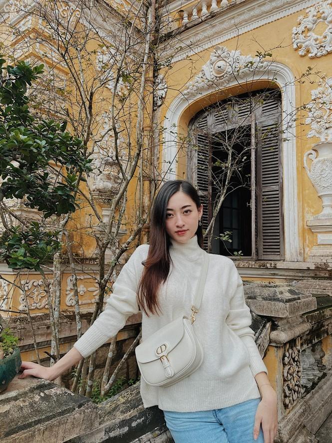 Hoa hậu Tiểu Vy - Lan Khuê 'đọ sắc' với gam màu đỏ quyền lực, khoe nhan sắc 'vạn người mê' - ảnh 14