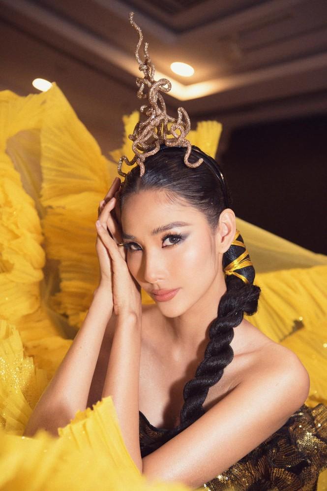 Hoa hậu Đỗ Thị Hà mặc kín mít vẫn xinh đẹp, Tiểu Vy nhí nhảnh hết cỡ bên Trường Giang - ảnh 7
