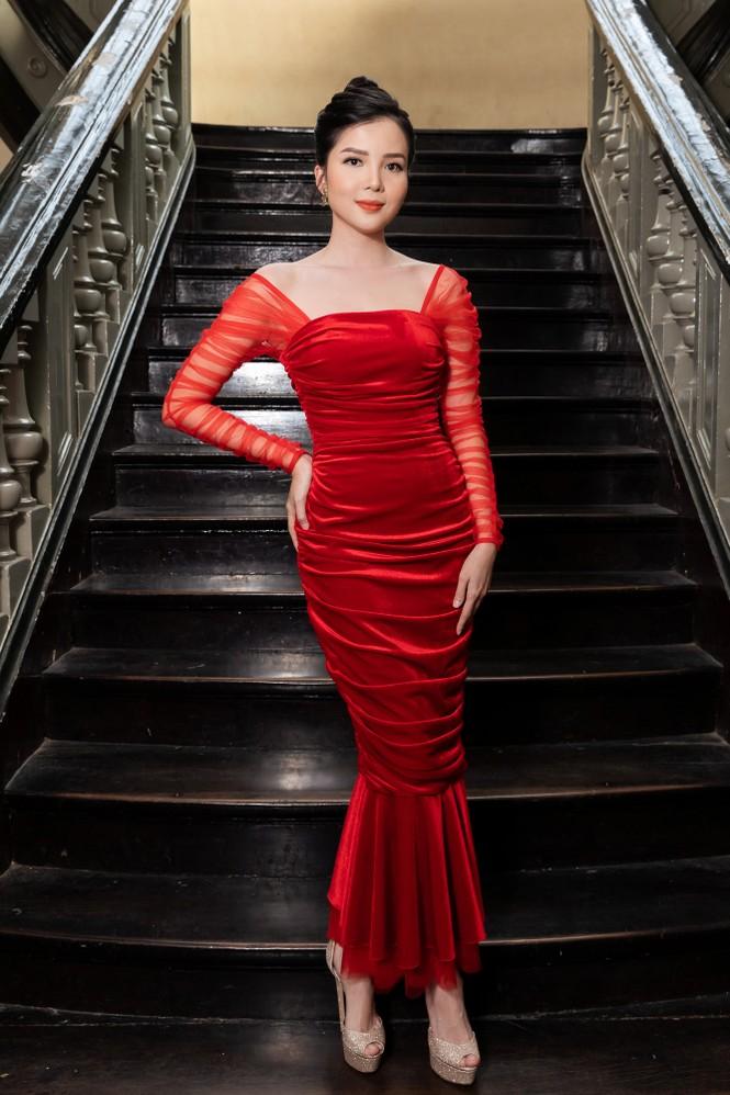 Đỗ Thị Hà diện váy đỏ rực khoe chân dài miên man, đọ sắc đàn chị Tiểu Vy-Hà Kiều Anh - ảnh 13
